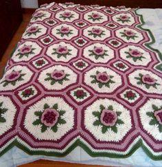 Ravelry: Blanket of Roses Afghan pattern by Bernat Design Studio - Super Crochet Crochet Afghans, Crochet Quilt, Afghan Crochet Patterns, Crochet Squares, Crochet Motif, Free Crochet, Knit Crochet, Crochet Blankets, Granny Squares