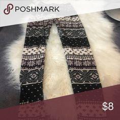 Black white & purple printed leggings Stretchy soft material Joyce Leslie Pants Leggings