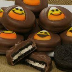 Halloween cookies  farrisandfosters.com