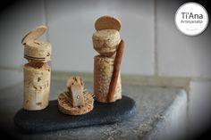 Presépio sobre pedra. Nativity Set The Nativity Story, Nativity Ornaments, Nativity Crafts, Cork Crafts, Christmas Projects, Holiday Crafts, Diy Crafts, Handmade Christmas, Christmas Crafts