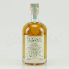89 Euro #whisky - BAAS UERIGE SINGLE MALT WHISKY EICHENFASS 5Jahre - BAAS UERIGE SINGLE MALT WHISKY 42% Vol. Eichenfass Classic. Der erstklassige Single Malt Whisky, gebrannt im Uerige, beeindruckt durch seinen ausgewogenen Charakter, seine kompromisslose Individualität und eine absolute sympathische Milde.