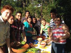 Escuelas de Gatronomía y Artes Culinarias desde el estado de México de la universidad de Tecámac, nos visitan a preparar con sus MANOS CON MI GUÍA platillos de corte precolombino.