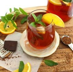 Mint Chocolate Rooibos Iced Tea ~ wonderfully refreshing, delicious and healthy! Rooibos Tea Health Benefits, Homemade Iced Tea, Iced Tea Recipes, Chinese Herbs, Healthy Mind And Body, Mint Chocolate, The Fresh, Berry, Menopause