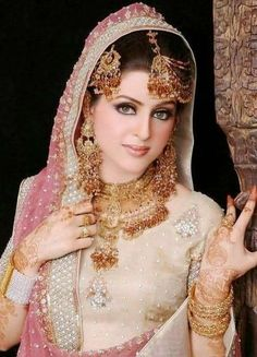 Beautiful And Pretty Bridal Makeup,Islamic fashion