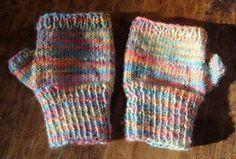 Adorable kids fingerless gloves- Free PDF knitting pattern