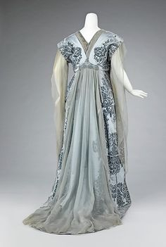 Tea dress (back), French, House of Worth, ca. 1900 - I love this dress!  I would modernize it by bring the hemline up so the train doesn't trail, if I were to be doing something other than being in a wedding.