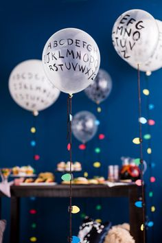 Host a Stranger Things birthday party or Halloween bash. Fun theme for a sweet 16 or rad tween party. Upside down ideas with the perfect party decor. Stranger Things Theme, Stranger Things Aesthetic, Eleven Stranger Things, Stranger Things Christmas, 13th Birthday Parties, 12th Birthday, Diy Birthday, Strange Things Season 2, Festa Party