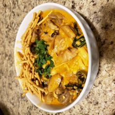 Khao soi soup, a noodle soup originating in Thailand, is loaded chicken, shallots, and garlic in a coconut milk-based broth creating a warm meal. Vietnamese Soup, Vietnamese Cuisine, Soup Recipes, Whole Food Recipes, Cooking Recipes, Chicken Meal Prep, Chicken Soup, Asian Recipes, Ethnic Recipes