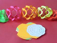 Mesetárház: Girlandok négyzet alakú hajtogatós, vagy origami papírokból