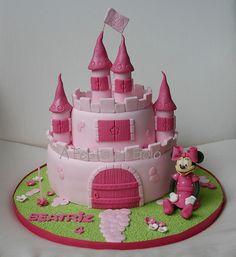 minnie and castle Cupcake Cakes, Cupcakes, Cupcake Ideas, Princess Cookies, Mini Mouse, 2nd Birthday, Birthday Cakes, Love Cake, Fondant