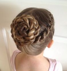 Twisty Ballet Bun- not sure whether my ballet teacher would allow this, but I prefer it to the standard buns I do for class at the moment Ballet Hairstyles, Braided Hairstyles, Wedding Hairstyles, Braided Ponytail, Updo Hairstyle, Braid Hair, Cute Hairstyles For Kids, Little Girl Hairstyles, School Hairstyles