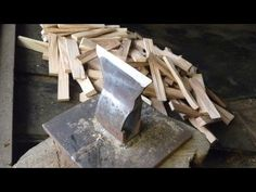 Prick with a sledgehammer Firewood for ignition Kindling Splitter, Log Splitter, Metal Projects, Welding Projects, Woodworking Projects, Farm Tools, Wood Tools, Chainsaw Sharpening Tools, Metal Fabrication Tools