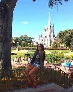 Get a pic from this spot Disney World Fotos, Disney World Pictures, Disney Vacations, Disney Trips, Disney Poses, Disney Ideas, Disney Universal Studios, Disney Parque, Disney 2017
