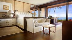 Ohana Prime Ocean Front Suites offer luxurious comfort, a spacious environment and stunning panoramas of the Pacific Ocean from Lanai.