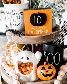 It's really 98 days till Halloween, but with all the Halloween craze this week I thought this would be a good… Days Till Halloween, Halloween House, Spooky Halloween, Holidays Halloween, Halloween Treats, Happy Halloween, Halloween Home Decor, Fall Home Decor, Halloween Decorations