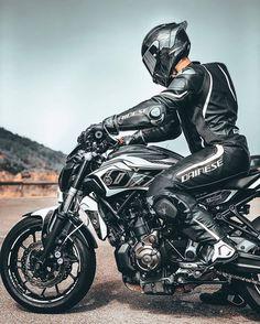 Motorcycle Suit, Motorcycle Types, Moto Bike, Mt 07 Yamaha, Yamaha Mt07, Ducati, Motos Retro, Ninja Bike, Cb 1000