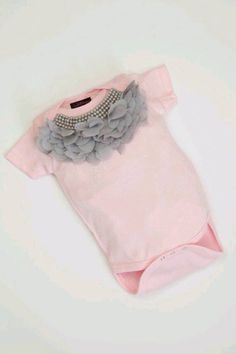 15 Adorable Baby Onesies without which your baby can not live - our s w e e t loves - Baby Kind, My Baby Girl, Pink Girl, Baby Girls, Baby Girl Fashion, Kids Fashion, Pink One Piece, Cute Baby Clothes, Kind Mode