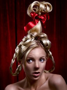Get inspired by Dr. Seuss this with Cindy Lou Who Get inspired by Dr. Seuss this with Cindy Lou Who Whoville Costumes, Whoville Hair, Seussical Costumes, Christmas Costumes, Halloween Costumes, Cindy Lou Who Hair, Cindy Lou Who Costume, Dr Seuss Who, Le Grinch