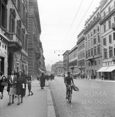 Via Nazionale (1940 ca) Old Photos, Rome, Street View, Vintage, In This Moment, Memories, Statue, History, World