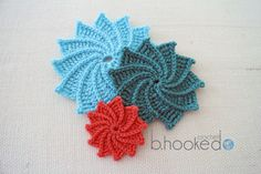 Spiral Crochet Flower - free pattern. So glad I found this. Love these crocheted flowers!