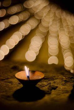 Dev Deepawali by João Almeida on Diwali Photography, Bokeh Photography, Photography Basics, Diwali Photos, Diwali Images, Dev Deepawali, Devine Light, Diwali Jewellery, Candle Lanterns