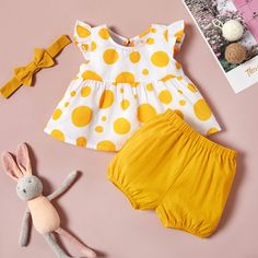Baby / Toddler Flutter-sleeve Polka Dots Top and Solid Shorts with Headband Setv Baby Girl Dress Patterns, Baby Dress Design, Baby Clothes Patterns, Clothing Patterns, Kids Dress Wear, Dresses Kids Girl, Kids Outfits Girls, Kids Frocks Design, Baby Frocks Designs
