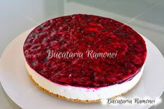 Cheesecake cu rodie pregatit de Ramona Dascalu Biscotti, Tiramisu, Cheesecake, Deserts, Ethnic Recipes, Food, Postres, Cheesecakes, Essen
