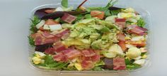 Bacon, ei, avocado en tomaat salade - Koolhydraatarmerecepten.info