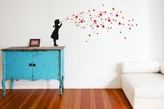 HEART BUBBLES GIRL Wandtattoo mit Herzchen Seifenblasen - ein Designerstück von UrbanARTBerlin bei DaWanda