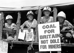 Miners Children at Rally Billy Elliot, Research Images, Protest Posters, Coal Miners, Glasgow Scotland, Lest We Forget, Political Events, Working Class, Popular Culture