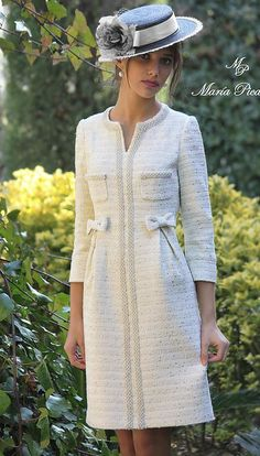 Swans Style is the top online fashion store for women. Shop sexy club dresses, jeans, shoes, bodysuits, skirts and more. Elegant Outfit, Elegant Dresses, Beautiful Dresses, Tweed Dress, Vogue Fashion, Mode Outfits, Winter Dresses, Dress Patterns, Dress To Impress
