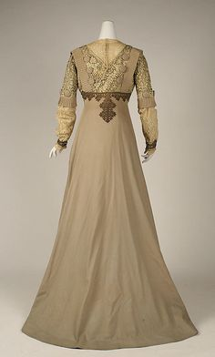 Dress, Visiting by JACQUES DOUCET. 1903, French.  Medium: wool, cotton, silk, metallic thread. Length at CF: 147.3 cm.