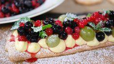 Mandelbunn med laurbærkrem og syrlige bær Fruit Salad, Tapas, Cake Recipes, Bakery, Cheesecake, Sweets, Snacks, Desserts, Food