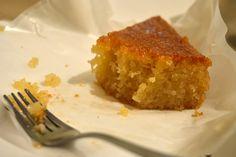 Σάμαλι νηστίσιμο. Απλή και νιστίσιμη εκδοχή ενός από τα πιο γνωστά σιροπιαστά γλυκά!