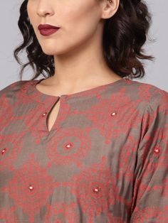 Buy Libas Women Off White & Green Printed A Line Kurta With Palazzos - Kurta Sets for Women 2528368 Neck Designs For Suits, Neckline Designs, Sleeves Designs For Dresses, Dress Neck Designs, Simple Kurta Designs, Kids Blouse Designs, Kurta Designs Women, Kurti Sleeves Design, Kurta Neck Design