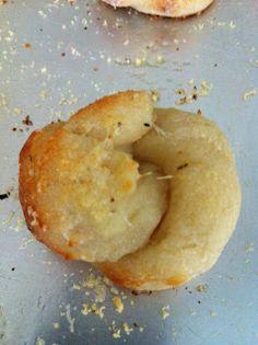 Garlic Cheese Knots: Dough Made with Greek Yogurt!