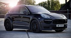 A new wide body kit from Prior Design has hit the tuning scene for the Porsche Cayenne. Porsche Logo, Porsche 2017, Porsche Girl, Black Porsche, Porsche Cayenne, Porsche Panamera, Porsche Carrera, My Dream Car, Dream Cars