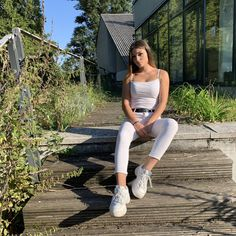 4150 követő, 1533 követés, 45389 lájk – Live a TikTokon Short Form, Life Moments, Live In The Now, White Jeans, Sporty, Pants, Style, Fashion, Trouser Pants