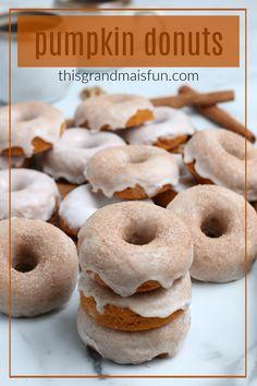 Pumpkin Donuts Recipe - TGIF - This Grandma is Fun Best Pumpkin Muffins, Pumpkin Donuts Recipe, Pumpkin Chocolate Chip Cookies, Pumpkin Recipes, Mini Breakfast Quiche, Donut Store, Donut Baking Pan, Easy Breakfast Casserole Recipes, Pie Spice Recipe