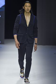 Dirk Bikkembergs Men's RTW Spring 2015 - Slideshow