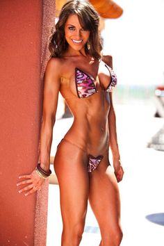 Fitness spokes model Amber Day will be your personal lifestyle, business and fitness coach! Amber Day, Back And Biceps, Fit Chicks, Athletic Women, Lose Belly Fat, How To Lose Weight Fast, Reduce Weight, Fitspiration, Personal Trainer