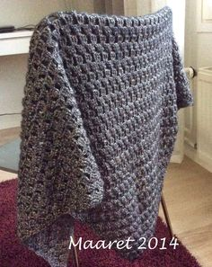 Kolmiohuivi Crochet, Fashion, Tricot, Shawl, Ponchos, Stitching, Moda, Fashion Styles, Chrochet