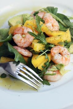 Shrimp and Scallop Salad with Mango Salsa 15 #Healthy #Shrimp #Salads | Yummy Recipes