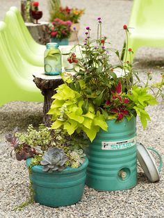Container gardening, gardening tips, water containers, flower containers Wheelbarrow Planter, Planter Pots, Container Gardening, Gardening Tips, Succulent Gardening, Porches, Garden Tub, Unique Gardens, Container Flowers