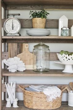 Summer Tour-Dining Room-Farmhouse Details-Kitchen Shelves