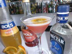 "Mi cóctel con @Bols ""Néctar de Dioses"". publicado en http://nuevamixologiacolombiana.blogspot.com/2014/10/signature-cocktails-cxlxii-nectar-de.html"