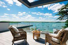 Decking : Modern balcony, veranda & terrace by Perfect Stays