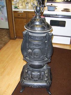 Antique Cast Iron Potbelly Stove Parlor Stove WoodStove .