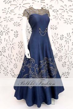 PalkhiFashion Exclusive Indigo Blue Handwork Outfit With Embossed Design. Indian Designer Outfits, Designer Dresses, Designer Clothing, Stylish Dress Designs, Stylish Dresses, Indian Wedding Outfits, Indian Outfits, Frock Fashion, Fashion Dresses