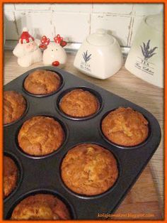 Carrot muffins- Muffinki marchewkowe Collisions of flavors: Carrot muffins - Almond Flour Muffins, Carrot Muffins, Types Of Cakes, Breakfast Menu, Polish Recipes, No Bake Cake, Food And Drink, Cooking Recipes, Tasty